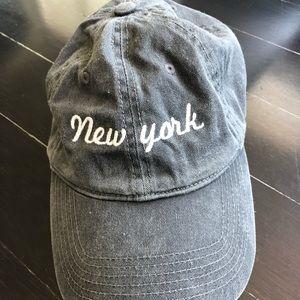 BRANDY MELVILLE NEW YORK BASEBALL HAT